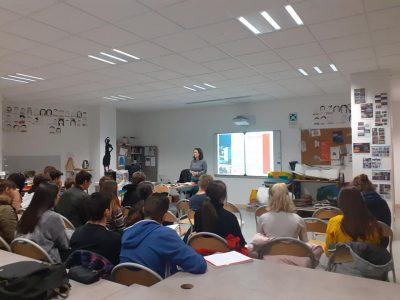 Conférence débat CAUE - L'architecture contemporaine - La ville, le lien entre corps et architecture, le corps comme moyen de communication: les structures de spectacles