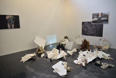 Les naufragés acte II, 2019 Installation multi-média, dimensions variables. © Laurence Nicola