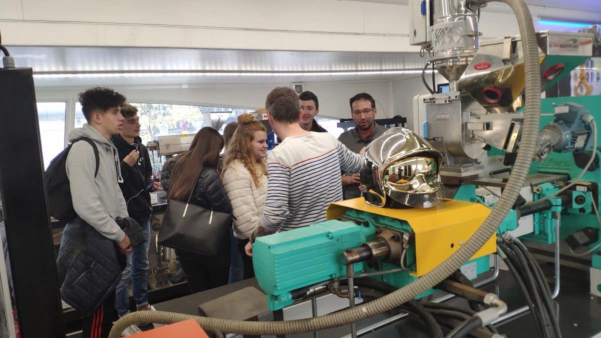 Puxi : plasturgie et composites expliqués aux lycéens : Impression 3D presse hydraulique injection plastique et extrusion - puxi-by-dp